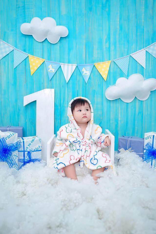 Vừa ra đời đã ngậm thìa vàng có khác, sinh nhật tròn 1 tuổi cháu gái Bảo Thy được tổ chức đúng chuẩn Rich Kid-1