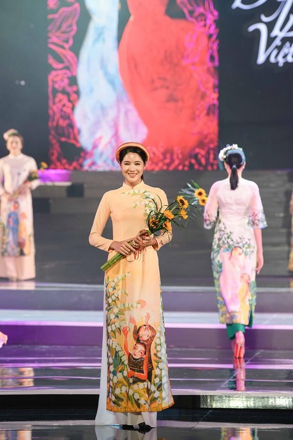 Hoa hậu Ngọc Hân hoàn thành tâm nguyện thuở bé với vai trò mới tại chương trình Duyên dáng Việt Nam 30-7