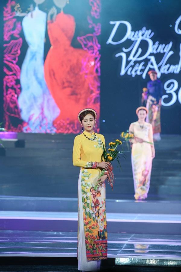 Hoa hậu Ngọc Hân hoàn thành tâm nguyện thuở bé với vai trò mới tại chương trình Duyên dáng Việt Nam 30-13