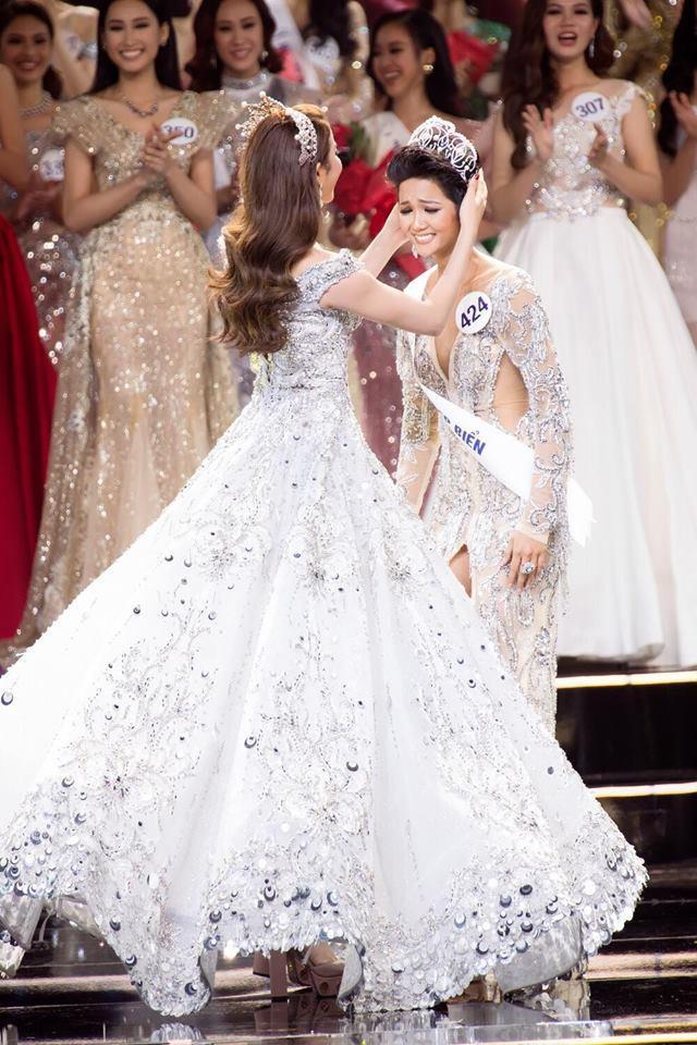 Ngày này năm ngoái, HHen Niê làm nên điều kỳ diệu chưa từng có trong lịch sử các cuộc thi sắc đẹp Việt Nam-7