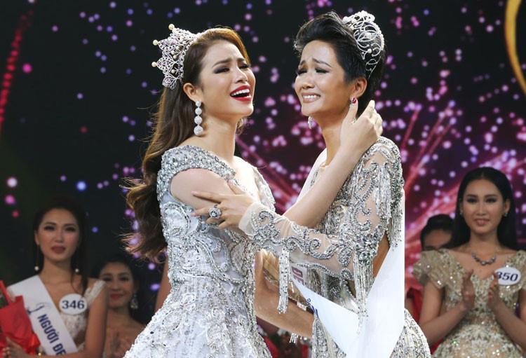 Ngày này năm ngoái, HHen Niê làm nên điều kỳ diệu chưa từng có trong lịch sử các cuộc thi sắc đẹp Việt Nam-8