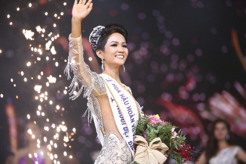 Ngày này năm ngoái, HHen Niê làm nên điều kỳ diệu chưa từng có trong lịch sử các cuộc thi sắc đẹp Việt Nam-10