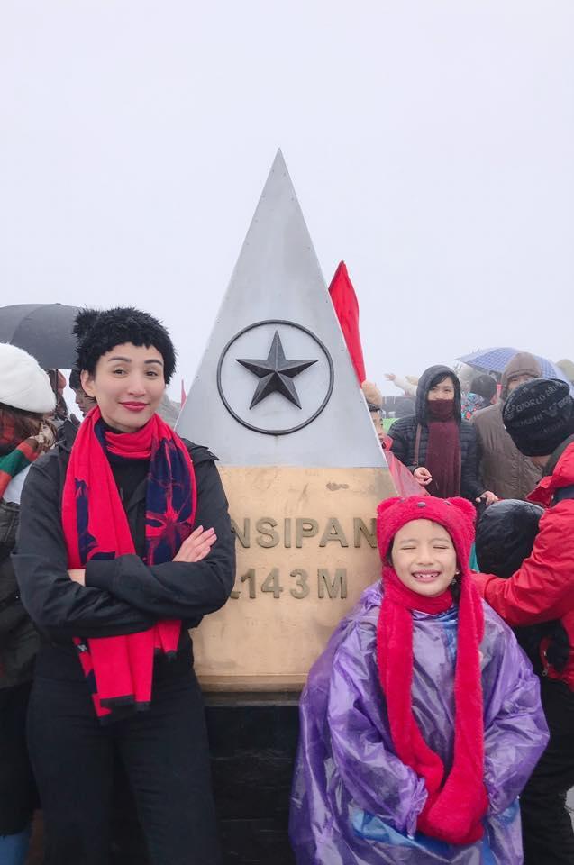 Ngọc Diễm đưa con gái lên đỉnh Fansipan lúc âm 4 độ C-3