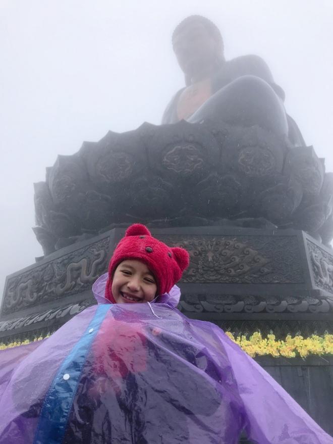 Ngọc Diễm đưa con gái lên đỉnh Fansipan lúc âm 4 độ C-5