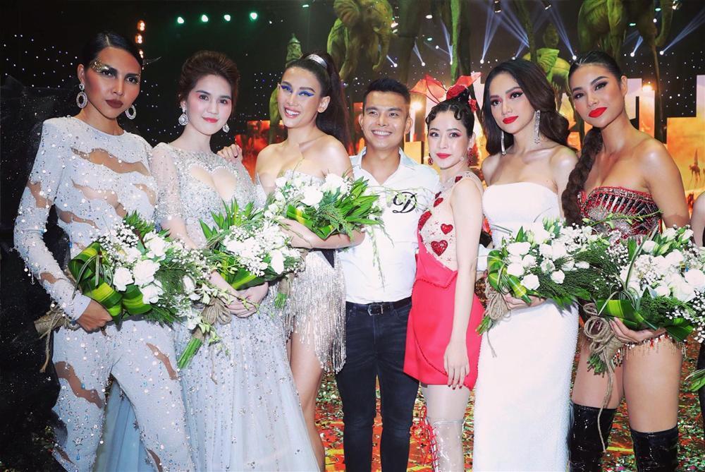 Sau thảm họa cosplay Hồng Hài Nhi, nhan sắc Chi Pu nay đẹp ngang ngửa khi bị đẩy vào giữa dàn hoa hậu đình đám-5