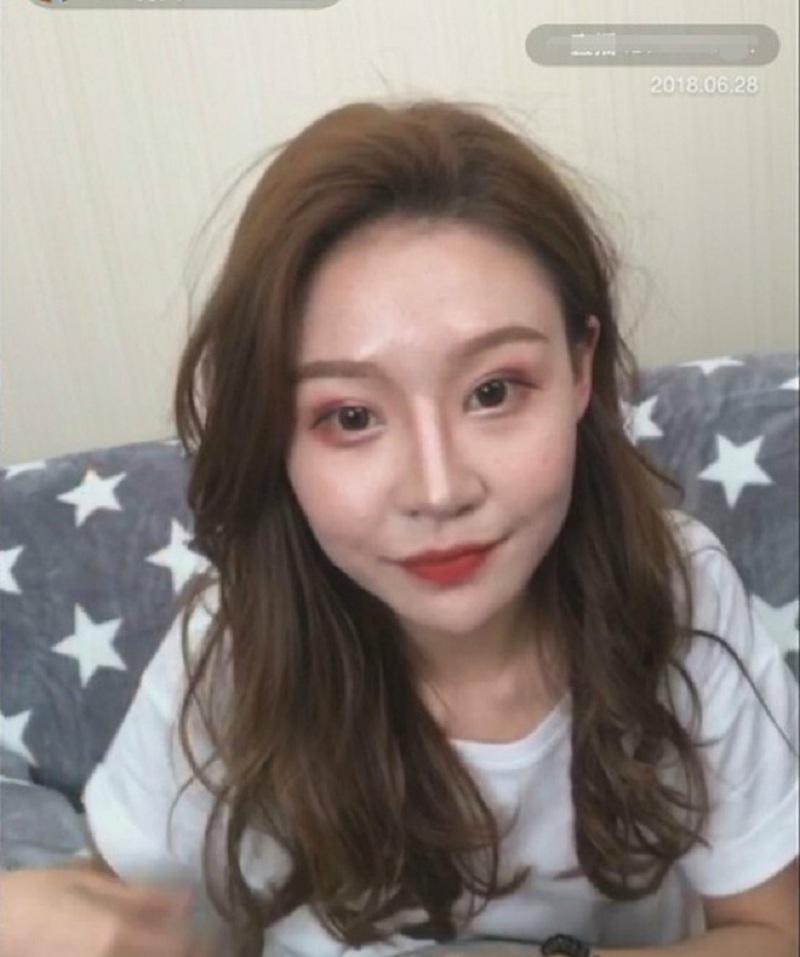 Lỡ tay tắt nhầm filter làm đẹp khi livestream, hotgirl Trung Quốc khiến fans vỡ mộng toàn tập trước nhan sắc thật-4