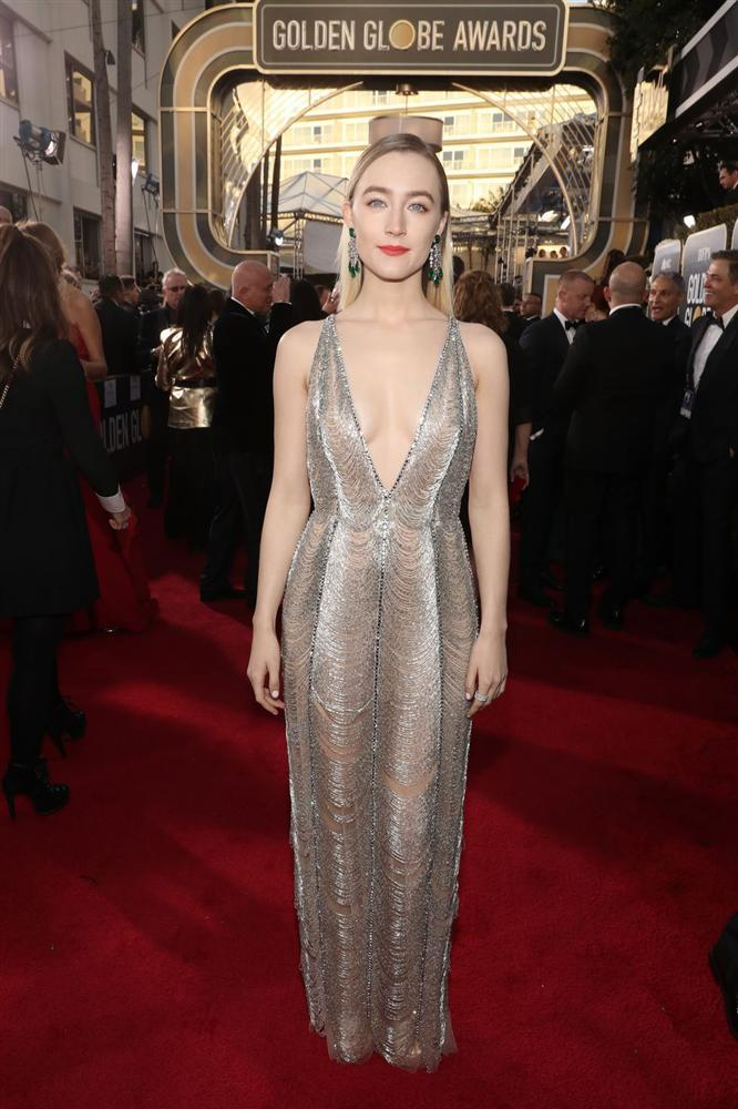 Những bộ váy xuyên thấu và trễ nải gợi cảm nhất trên thảm đỏ Quả Cầu Vàng 2019-7