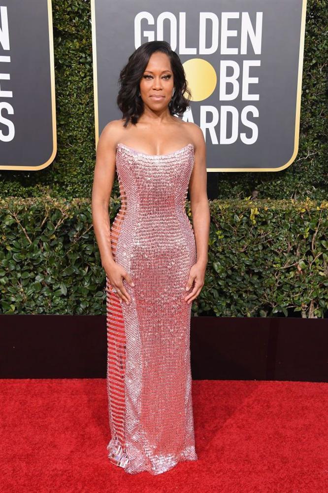Những bộ váy xuyên thấu và trễ nải gợi cảm nhất trên thảm đỏ Quả Cầu Vàng 2019-8