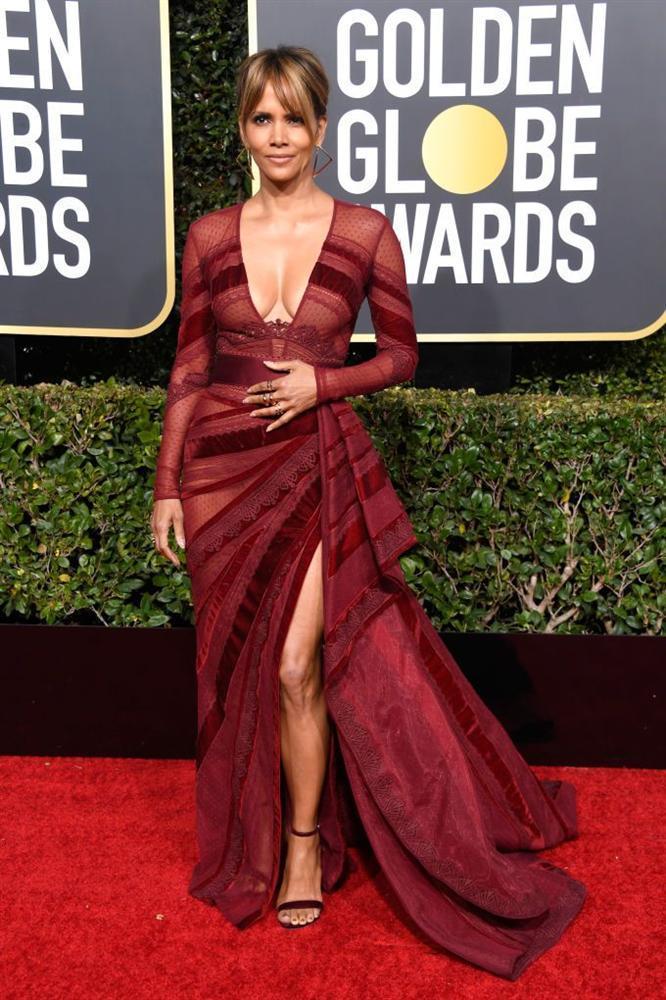 Những bộ váy xuyên thấu và trễ nải gợi cảm nhất trên thảm đỏ Quả Cầu Vàng 2019-9