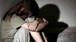 Từ clip đang kéo khóa quần, 'lão yêu' bị bắt vì tội tấn công tình dục một bé gái