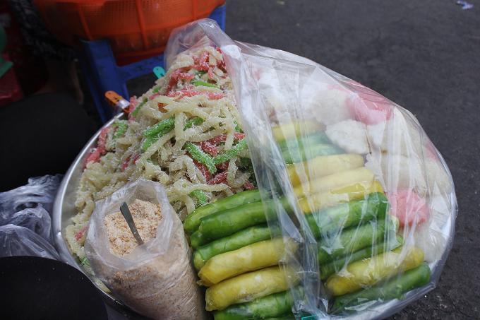 Đủ món ngon hấp dẫn khách du lịch ở chợ Cồn Đà Nẵng-1