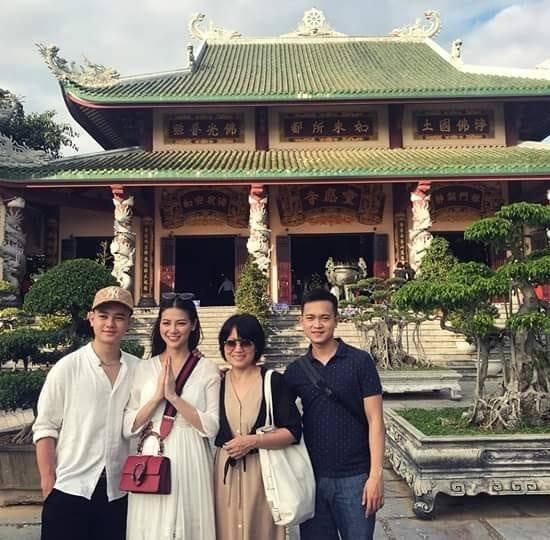 Trùm chân dài kể mất 10 tỷ mua giải Miss Earth cho Phương Khánh, mẹ hoa hậu nhận định: Quá rẻ-7
