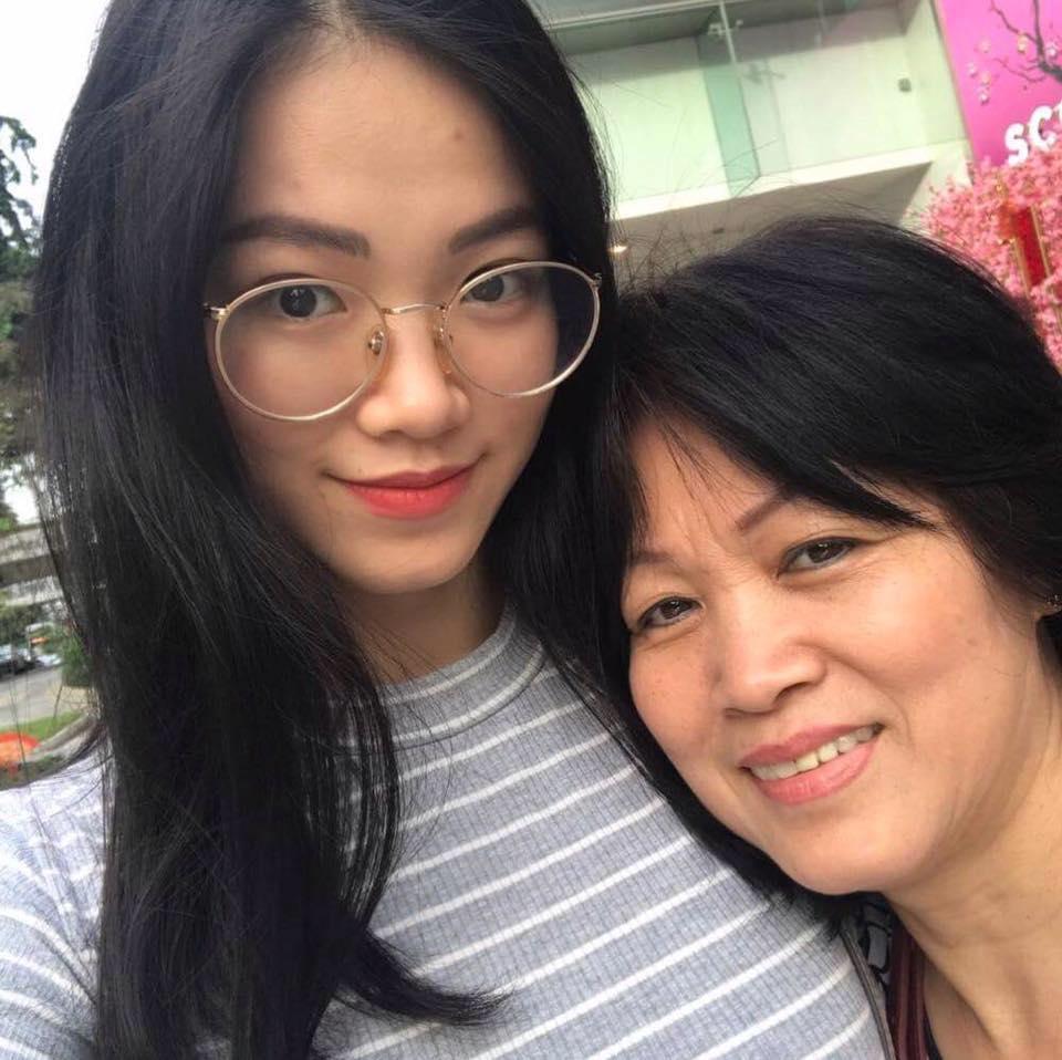Trùm chân dài kể mất 10 tỷ mua giải Miss Earth cho Phương Khánh, mẹ hoa hậu nhận định: Quá rẻ-5