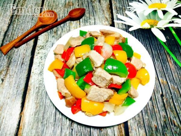 Biến tấu ớt chuông xào thịt nạc giòn thơm, ăn với cơm hay bún đều tuyệt-6