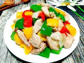Biến tấu ớt chuông xào thịt nạc giòn thơm, ăn với cơm hay bún đều tuyệt