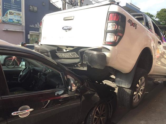 Xe điên hạ gục hàng loạt ô tô và xe máy ở Đà Nẵng-3