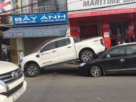 Xe điên hạ gục hàng loạt ô tô và xe máy ở Đà Nẵng