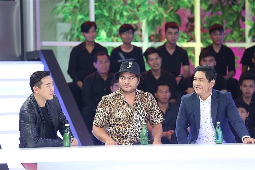 Đồng nghiệp phanh phui chuyện Trấn Thành bị Hari Won hà hiếp, cấm đoán đủ điều sau kết hôn-2