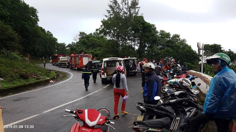 Xe khách rơi trên đèo Hải Vân, 21 sinh viên bị nạn-1