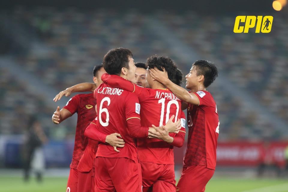 Sau khi ghi cú đúp bàn thắng giúp đội nhà, Công Phượng đã chia sẻ gì trên fanpage hơn 2 triệu người theo dõi-1