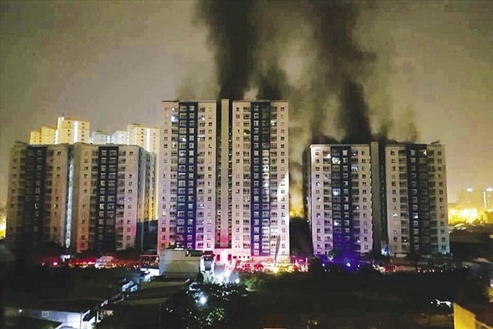 KINH HOÀNG loạt tai nạn thảm khốc xảy ra vào ngày Tam Nương: Từ nổ tàu ngầm hạt nhân, cháy chung cư Carina cho đến xe khách lao đèo Hải Vân-4