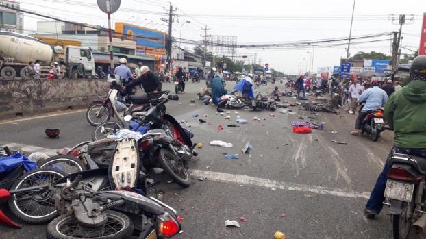 KINH HOÀNG loạt tai nạn thảm khốc xảy ra vào ngày Tam Nương: Từ nổ tàu ngầm hạt nhân, cháy chung cư Carina cho đến xe khách lao đèo Hải Vân-7