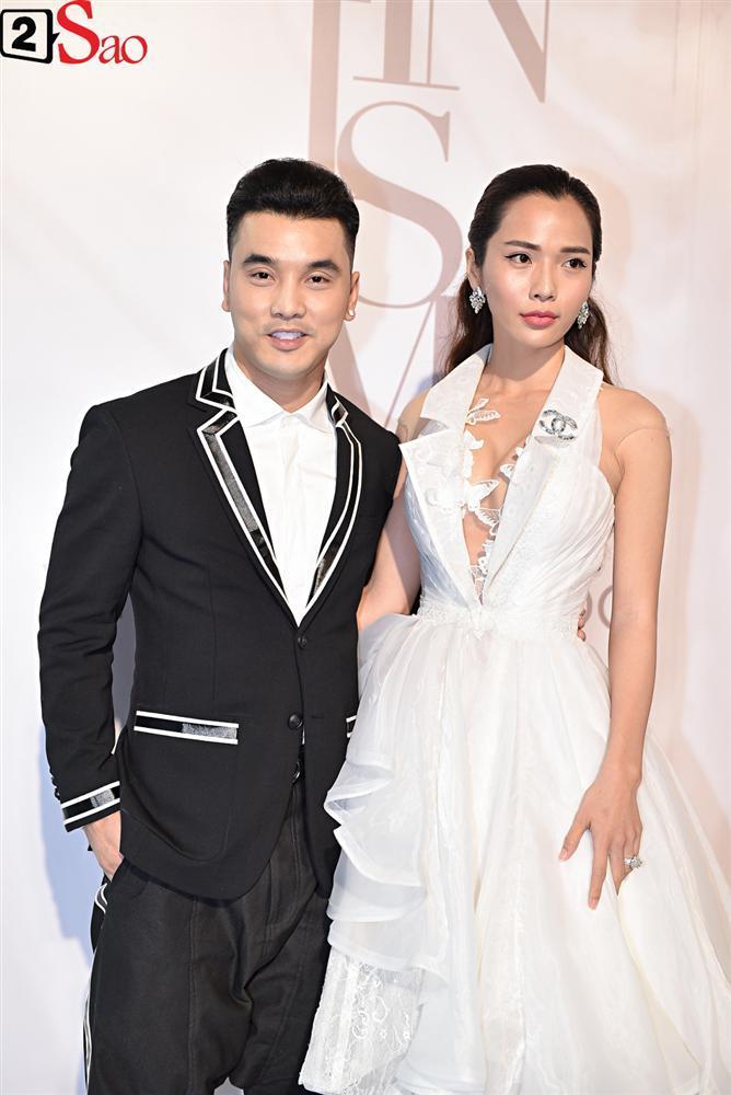 Bất chấp làn sóng tẩy chay, Hòa Minzy diện váy lồng lộn chặt chém dàn hoa hậu-14