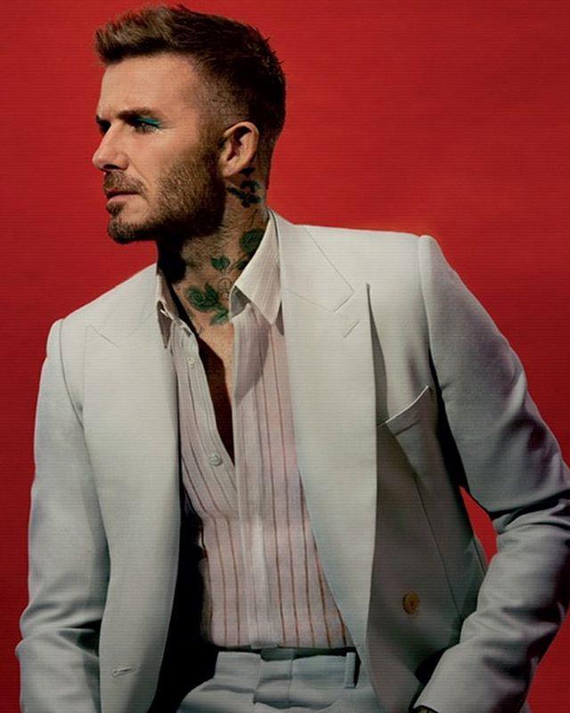 David Beckham gây xôn xao với ảnh trang điểm phấn mắt màu xanh-3