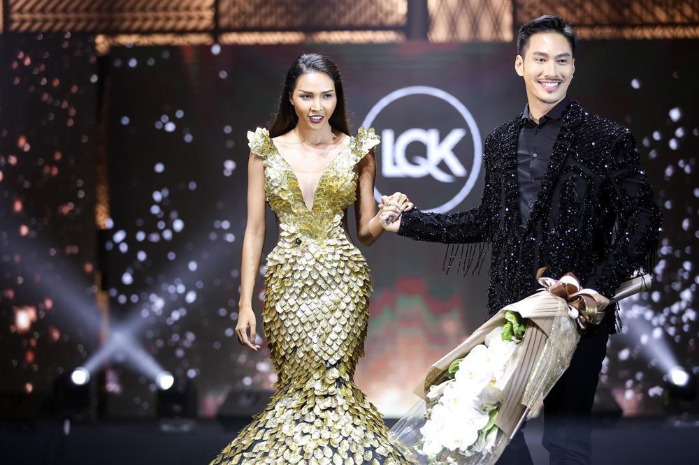 Lý Quí Khánh lên tiếng khi bị tố gài bà hoàng thời trang Singapore mặc váy cũ của Hồ Ngọc Hà-4