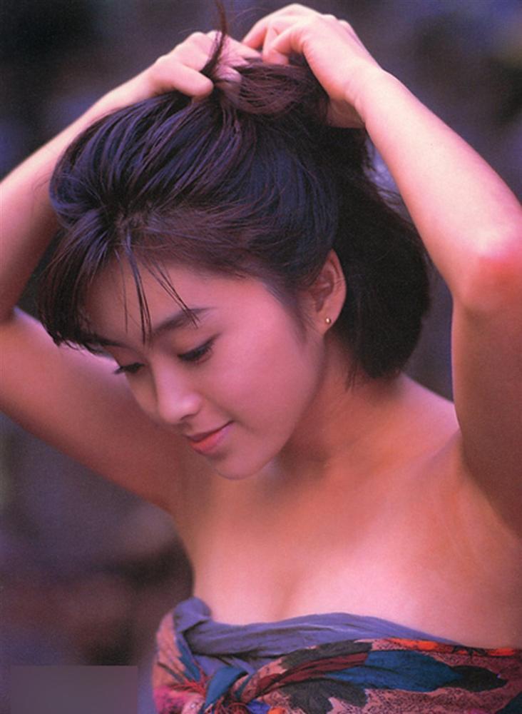 Đời tủi nhục của ngọc nữ Nhật Bản: Vào tù vì hút hít, hết thời đóng sex đành muối mặt lên mạng xin tiền fans-2