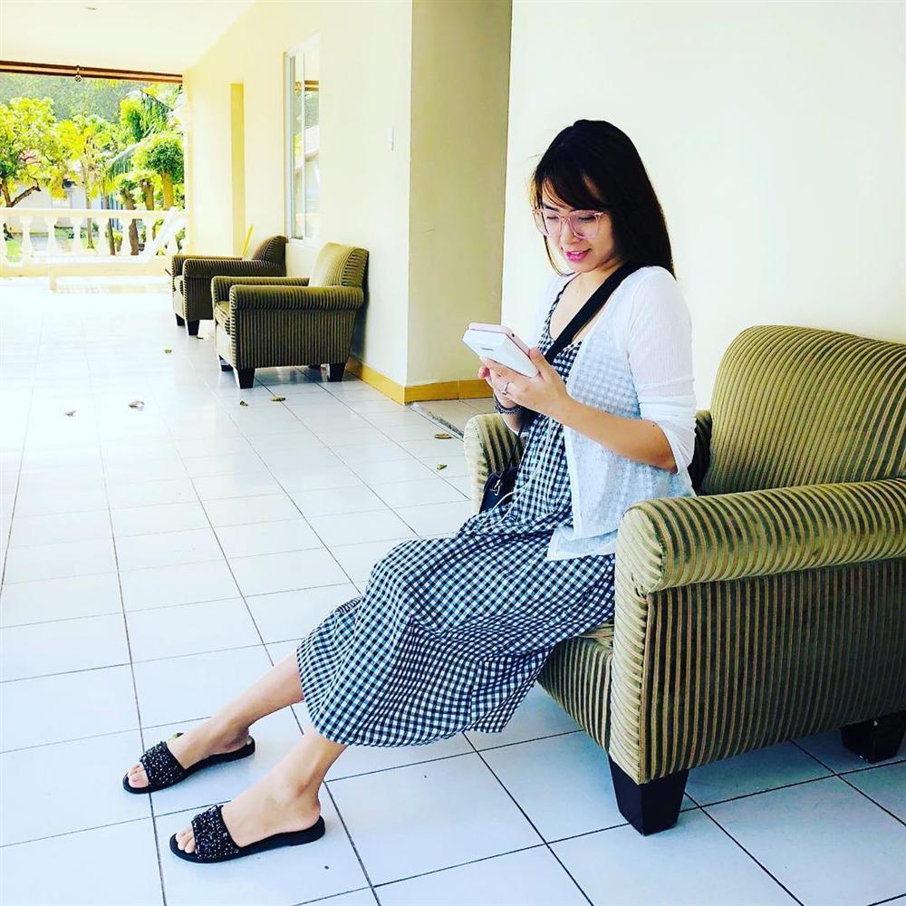 Tiến Đạt khoe phong cách lịch lãm sau đám cưới, Phương Thanh phán liền: Mái tóc xém 3D-3