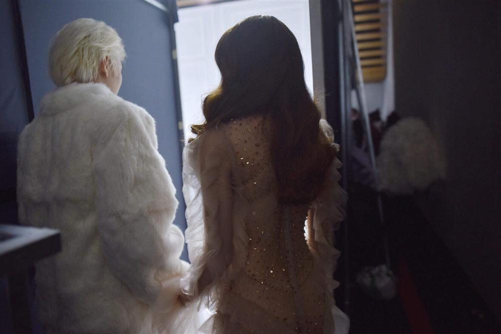Tiến Đạt khoe phong cách lịch lãm sau đám cưới, Phương Thanh phán liền: Mái tóc xém 3D-4