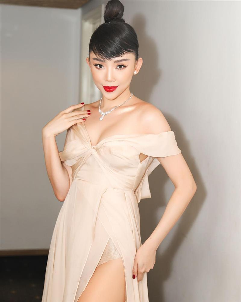 Tiến Đạt khoe phong cách lịch lãm sau đám cưới, Phương Thanh phán liền: Mái tóc xém 3D-10