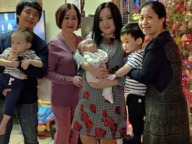 'Bé' Xuân Mai sinh con trai thứ 3 sau 3 năm kết hôn ở Mỹ