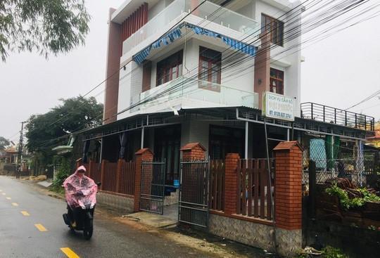 Bé gái 10 tuổi bị tên cướp đâm ở tiệm cầm đồ đã tử vong-1