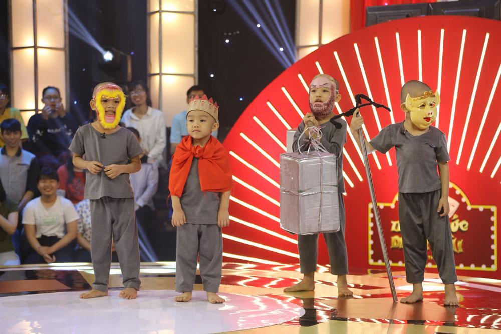 5 chú tiểu nhóm Bồng Lai khiến sân khấu Thách thức danh hài bấn loạn vì quá đáng yêu-4