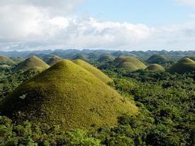Đồi chocolate hình nón kỳ lạ ở Philippines