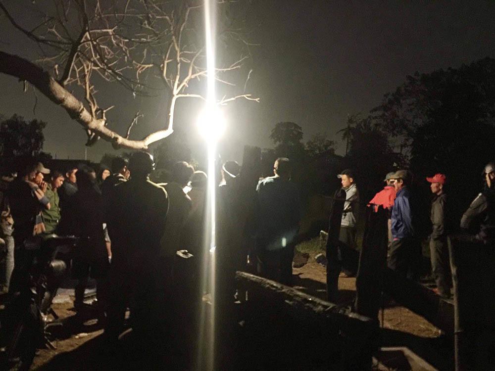 Bình Thuận: 2 người chăn vịt bị bạn nhậu đâm chết sau tranh cãi về điện thoại Vertu-1