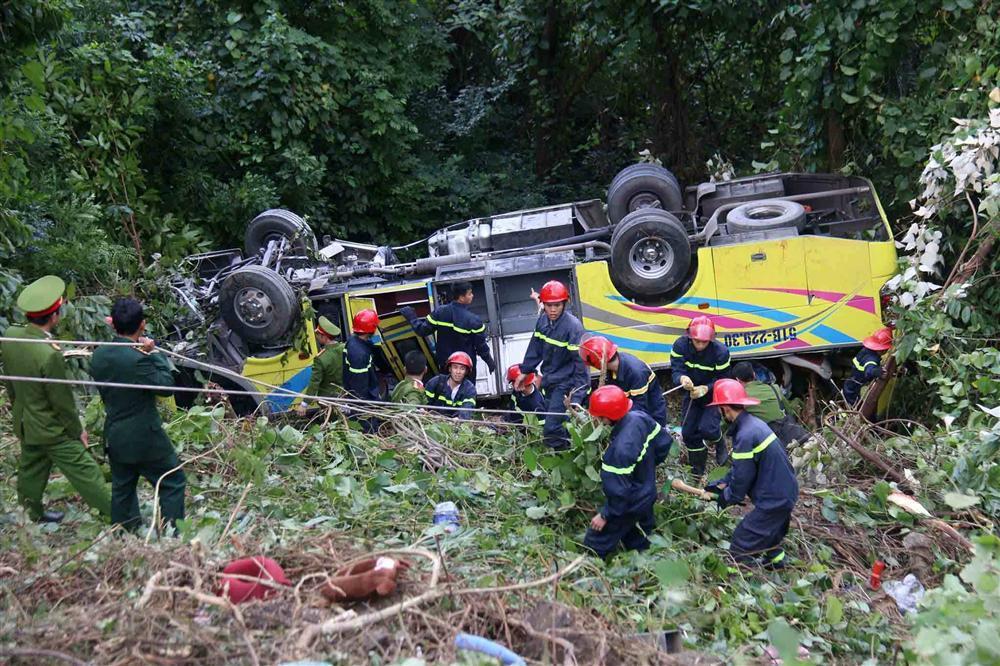 Thừa Thiên-Huế: Nguyên nhân bất ngờ vụ xe khách lao vực trên đèo Hải Vân-2