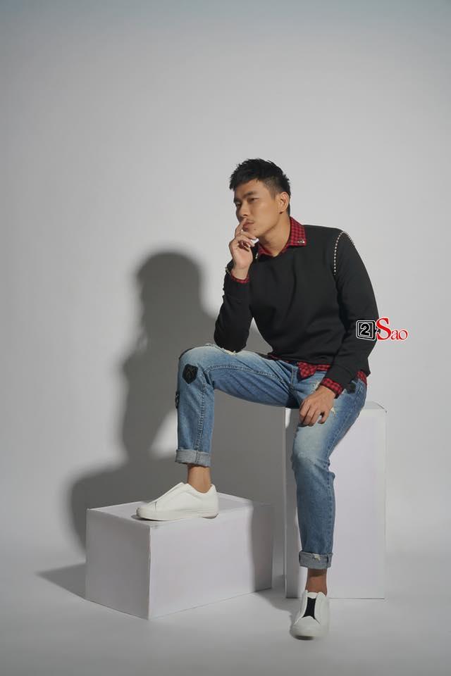 Kiều Minh Tuấn trở thành thánh tiết kiệm của showbiz khi tham gia 7-7-49 sự kiện với chỉ đúng 1 đôi giày-11