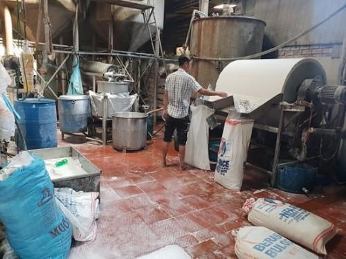 TP. HCM: Phát hiện hơn 2 tấn bún cũ, bún thải trộn hóa chất bán ra thị trường-2