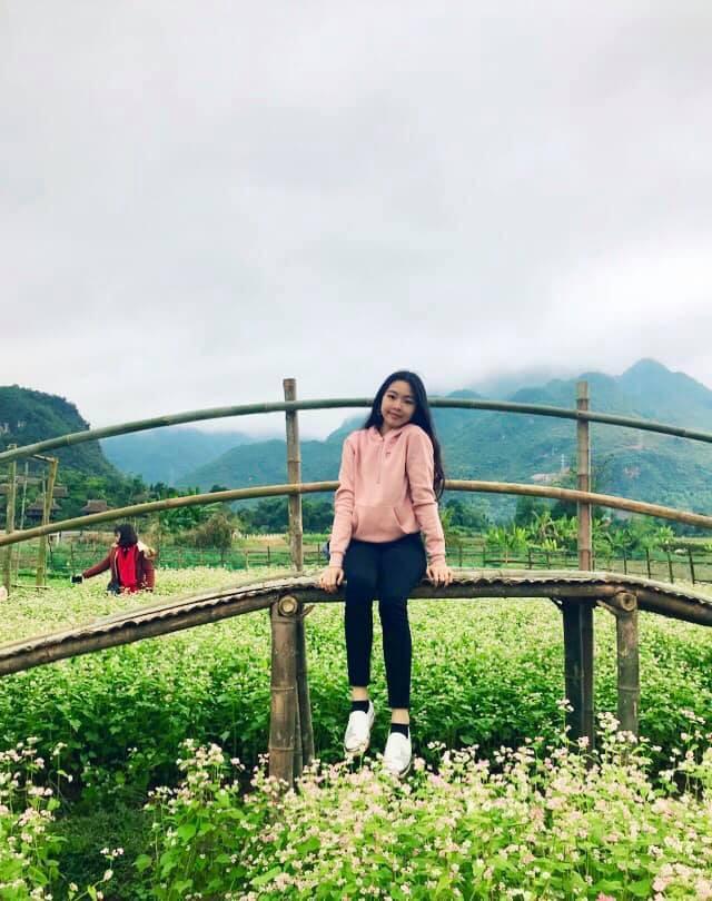 Khoe ảnh cả gia đình du lịch Mộc Châu, 2 con gái Quyền Linh được người xem tấm tắc thần thái như hoa hậu-8