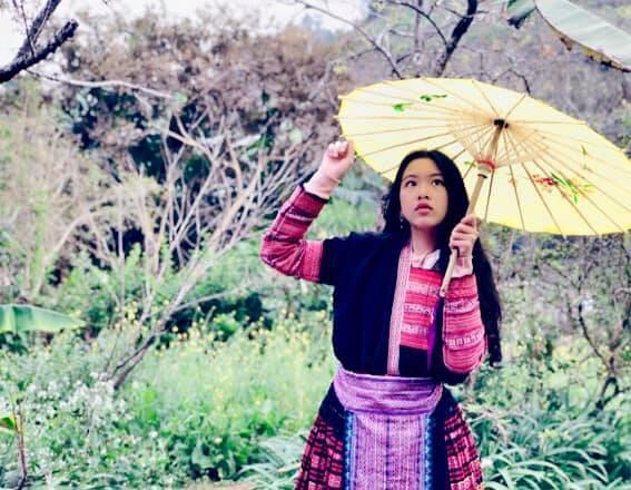 Khoe ảnh cả gia đình du lịch Mộc Châu, 2 con gái Quyền Linh được người xem tấm tắc thần thái như hoa hậu-12