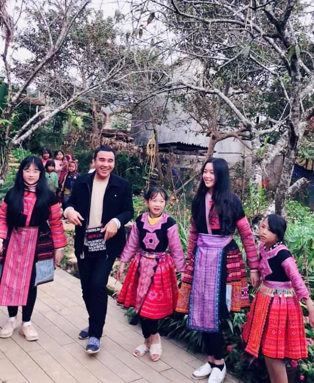 Khoe ảnh cả gia đình du lịch Mộc Châu, 2 con gái Quyền Linh được người xem tấm tắc thần thái như hoa hậu-13