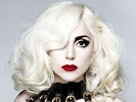 Lady Gaga gặp rắc rối vì nghi vấn tấn công tình dục của R. Kelly