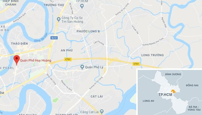 BMW phóng qua dải phân cách, tông xe máy và ôtô ở Sài Gòn-4