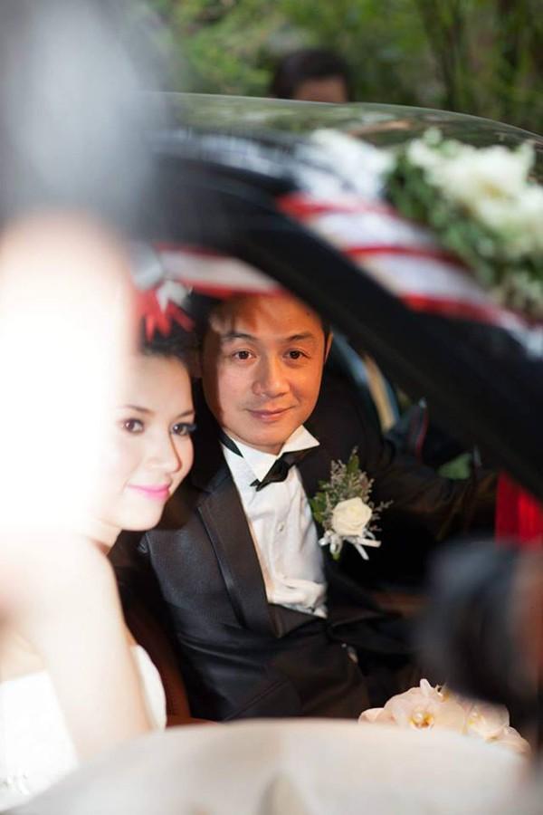 Hiếm hoi lắm vợ kém 14 tuổi của MC Anh Tuấn mới nói lời ngọt ngào với chồng, ai nghe xong cũng đổ gục vì quá tình-2