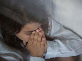 Rớt nước mắt trước nỗi đau đớn của cô gái bị người yêu phụ bạc cặp với chị đã ly hôn