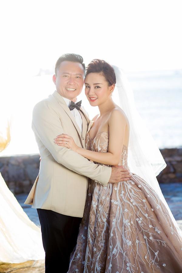 Vpop tháng 1: Vy Oanh làm MV dành tặng chồng, Ái Phương khiến người con xa quê nôn nóng trở về-2