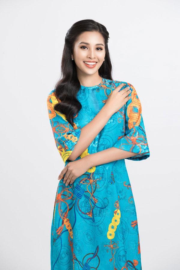 Hoa hậu Tiểu Vy gợi ý cách chọn áo dài Tết-3
